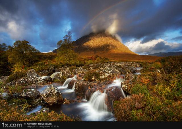Scotland by Krzysztof Nowakowski